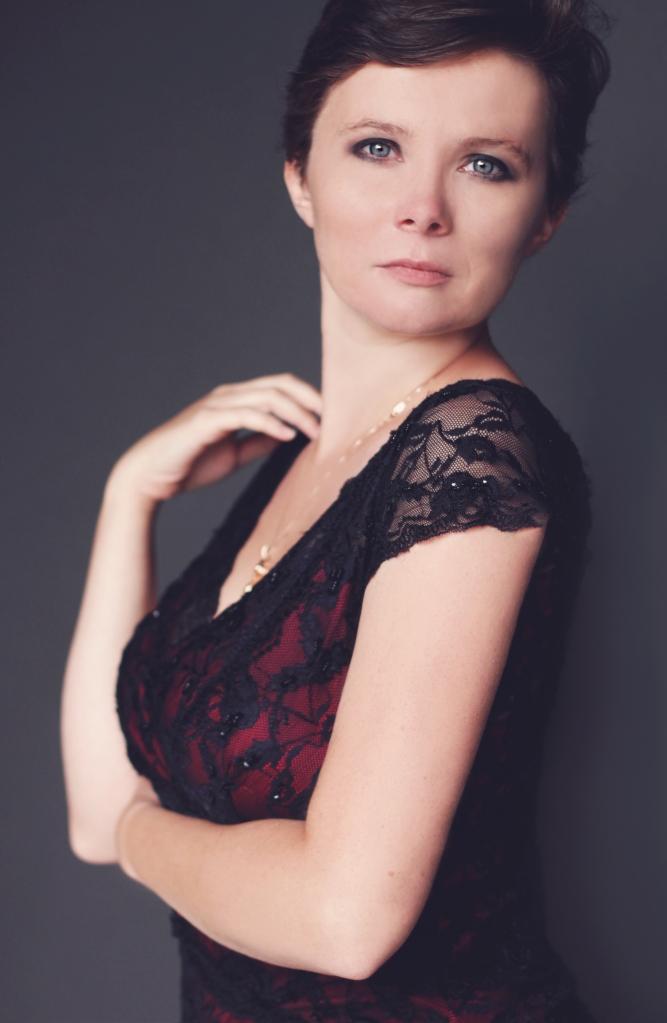Kristen 7781 full jpg glamour beauty studio michigan