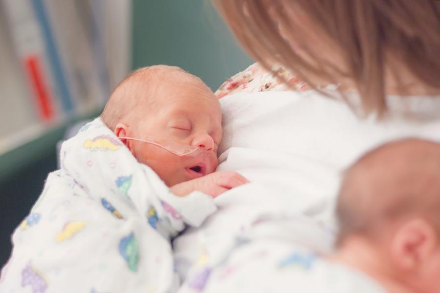 2297 preemie twin photographer